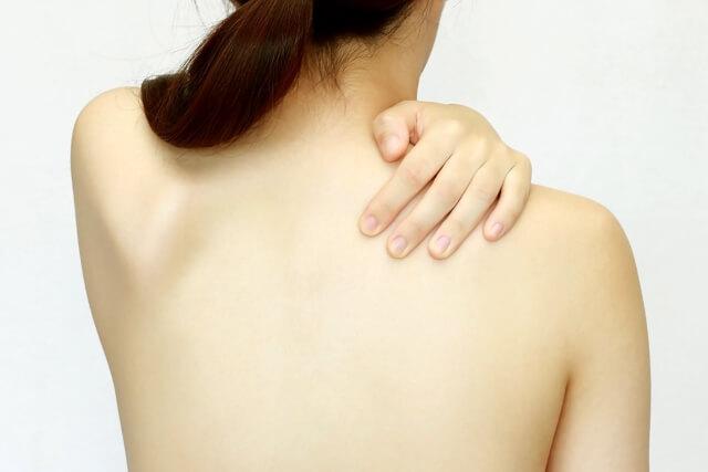 背中は年齢が現れやすい部位~肩甲骨と骨盤は離れていても対の関係~